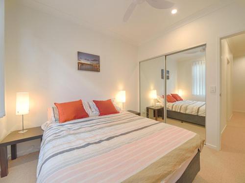 A-HOTEL com - Emerald Lakes Retreat, villa, Gold Coast