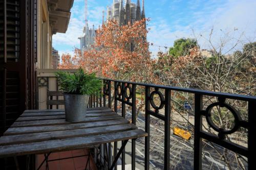 Bbarcelona Sagrada Familia Garden Apartment photo 6