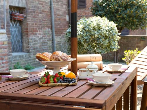 Hotel Secret Little Garden – 4bd in the city center of Siena, with garden thumb-2