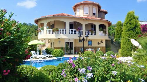 Gazipasa Villa Evora with Private Pool and Large Garden