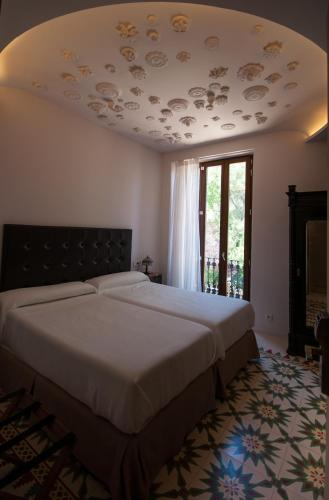 Double or Twin Room - single occupancy Mont-Sant 8