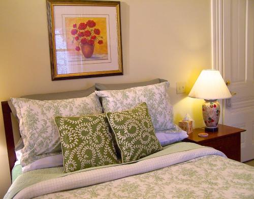 Lyndon House Bed & Breakfast - Lexington, KY 40508