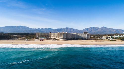 . Kensington Resort Seorak Beach