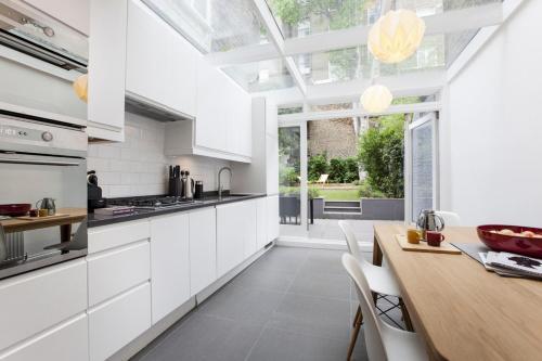 Notting Hill Gate Villa Sleeps 5 Wifi