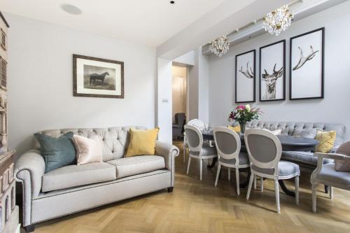 Knightsbridge Villa Sleeps 6 Air Con WiFi