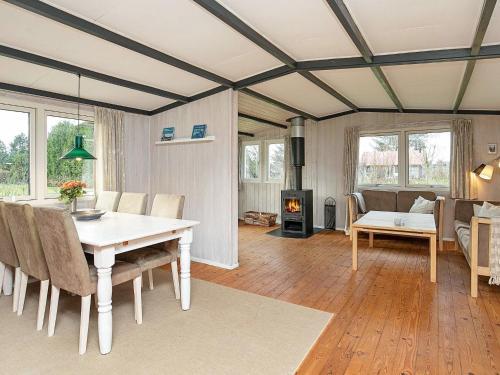 Two-Bedroom Holiday home in Højslev 5 in Bøstrup