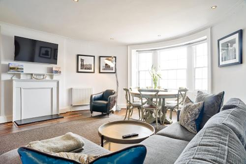 ALTIDO Luxury George St Apartments - Hotel - Edinburgh