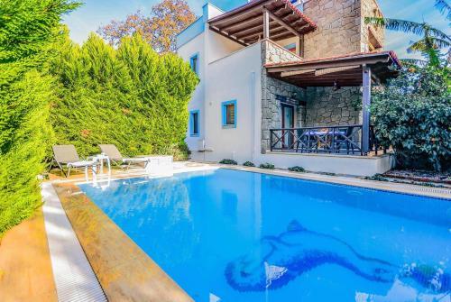 Ortakent Ortakent Villa Sleeps 6 Pool Air Con WiFi online rezervasyon