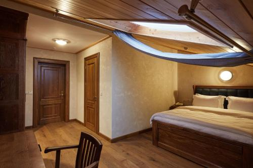 Standard Double Room Attic with Spa Access