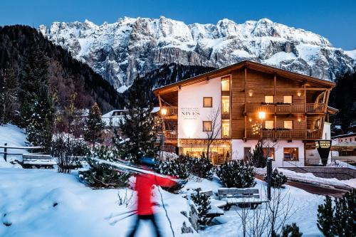 Boutique Hotel Nives - Luxury & Design in the Dolomites Wolkenstein-Selva Gardena