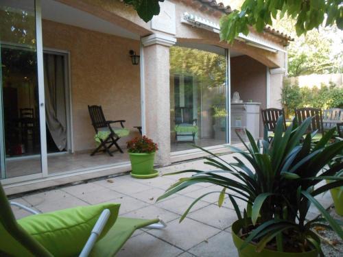 Provence 's Home Mamoue - Location saisonnière - Le Puy-Sainte-Réparade