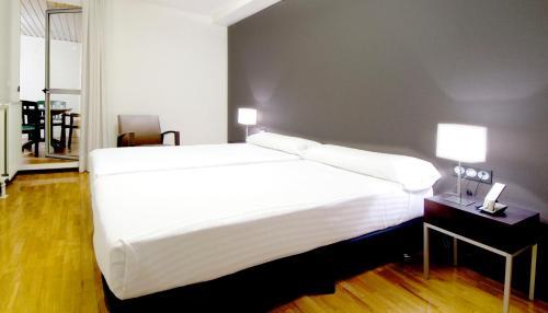 Photo - Apartamentos Mendebaldea Suites