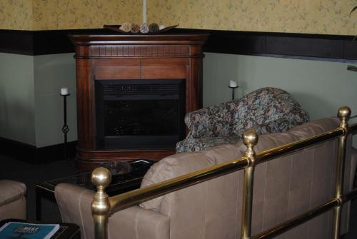 Hotel Wayne - Honesdale, PA 18431
