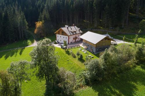 Silentium Dolomites chalet since 1600 - Chalet - Monguelfo