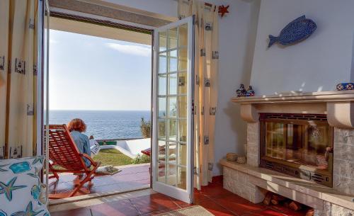 Villa over the Ocean in Magoito-Sintra, Sintra