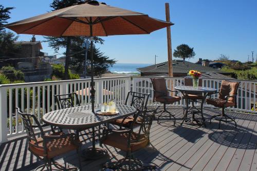 Ocean Echo Inn & Beach Cottages