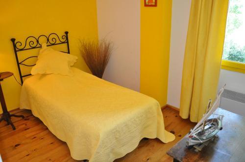 A Hotel Com Cheminee Camargue Authentique Gite Piscine Et Spa