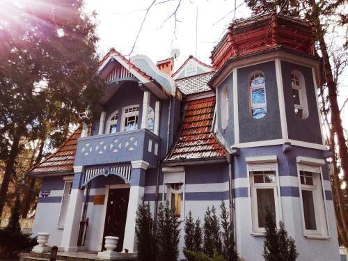 . Zolotaya Bukhta
