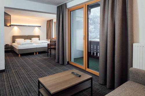 Фото отеля Panoramahotel Fliesserhof