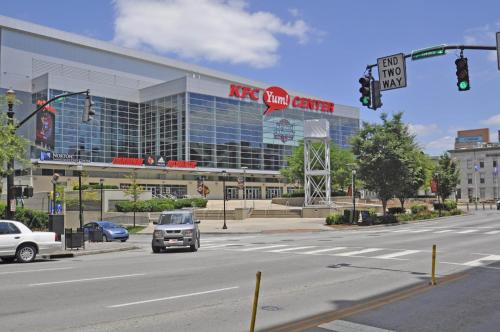High Rise Downtown Venue Apartment - Louisville, KY 40202