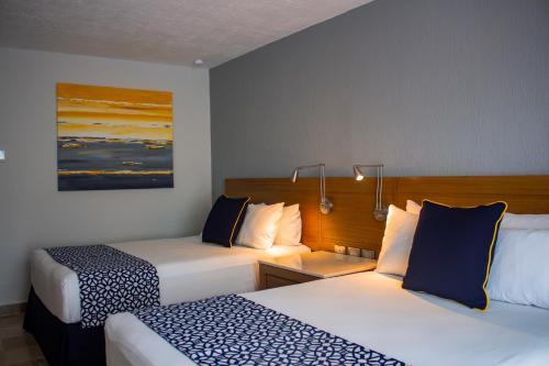 Plaza Pelicanos Club Beach Resort, Puerto Vallarta