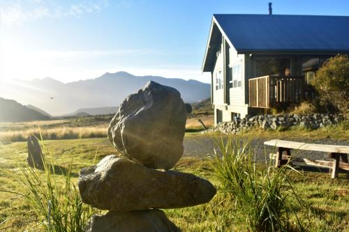Forest Lodge - Accommodation - Castle Hill