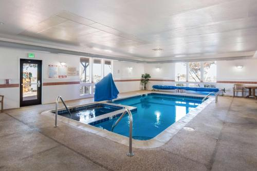 Quality Inn & Suites West - Pueblo West, CO 81007-2841