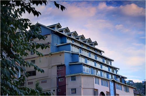 . Sumi Yashshree Suites & Spa