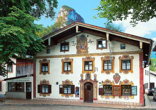 . Dedlerhaus