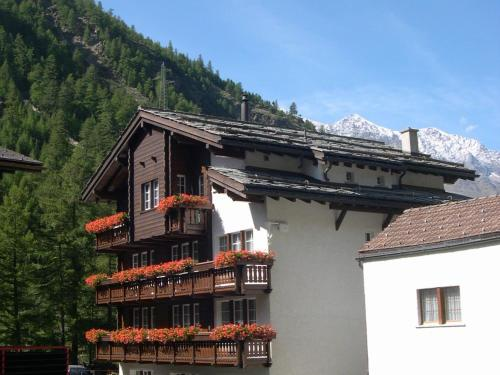 Apartment Dorfplatz Saas-Almagell