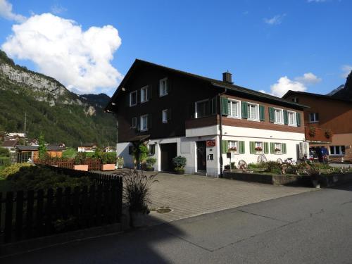 bnbetschart - Accommodation - Muotathal
