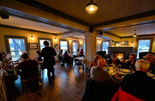 Lanes Privateer Inn - Liverpool, NS B0T 1K0