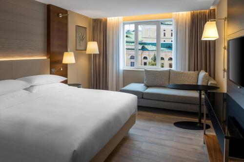 Номер Делюкс с 1 кроватью размера «king-size» и видом на город