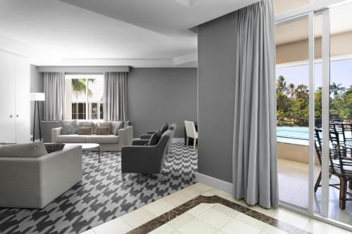Presidential One-Bedroom King Suite with Lagoon View