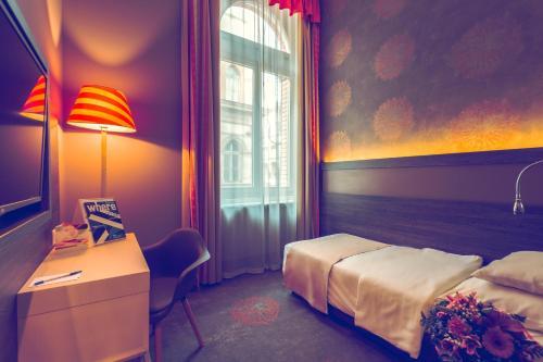 Hotel Museum Budapest photo 56