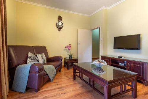 Photo - Fallsway Apartments - Burley Court