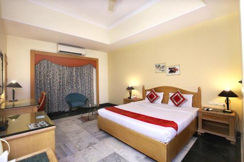 OYO 1898 Hotel Aditya