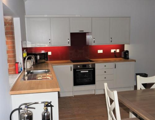 Picture of Amazing Luxurious 3 Bedroom Apartment - Nellies Shed