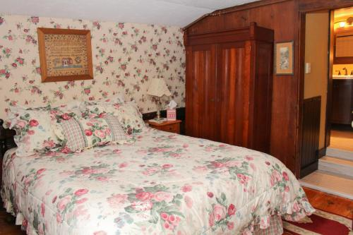 The Nutmeg Inn Bed And Breakfast -adult Only - Meredith, NH 03253