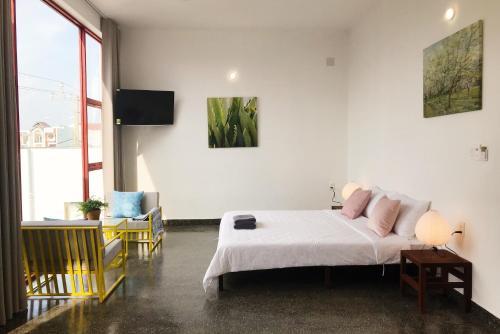 Larose Cafe I Bed & Breakfast
