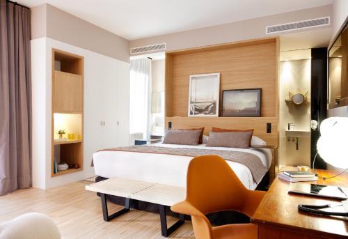 Alexandra Barcelona Hotel, Curio Collection by Hilton photo 49