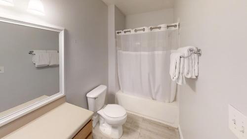 Runaway Beach Club Resort 2 Bedroom Vacation Condo - RW22202 - image 7