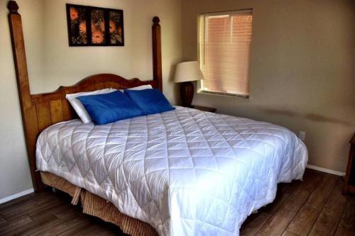 1 Bed Apt Coronado Historic District - 207