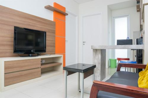 . Pleasant 2BR Apartment at Parahyangan Residence By Travelio