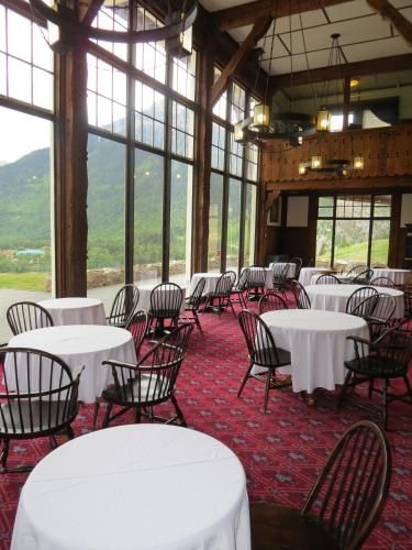 Prince of Wales Hotel - Waterton Park, AB T0K 2M0