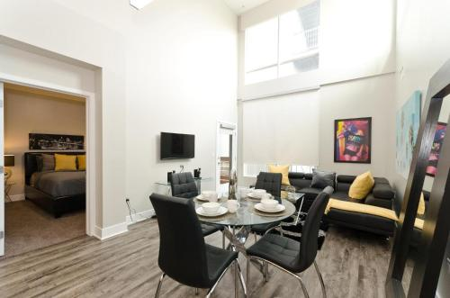 Urban Hollywood Vip Celebrity Penthouse - Los Angeles, CA 90028