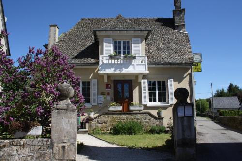 . Auberge de Saint Julien Aux Bois