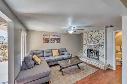 Attractive Apartment w/ Hot Tub Near Lake Powell