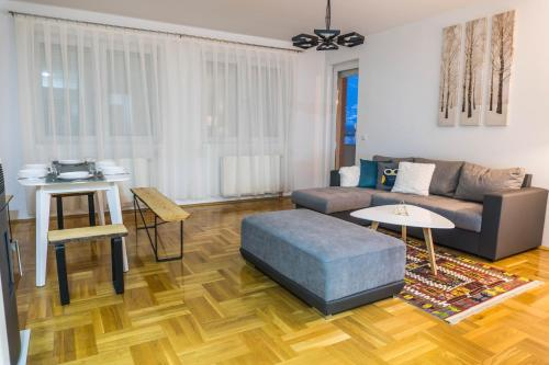 Charm and Relaxing View in Perfect Location Апартаменты с видом на горы