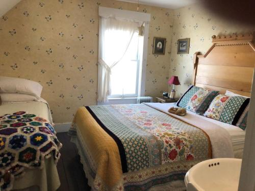 The Rendezvous Bed & Breakfast - Lowell, VT 05847